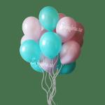 Облако из воздушных шаров мятного и нежно-розового цвета