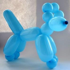 Фигурка собачки из шарика