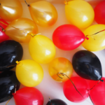 Золотые, черные, желтые и красные шарики - 25 шт